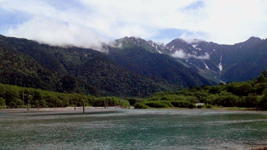 上高地 大正池と奥穂高連峰.jpg