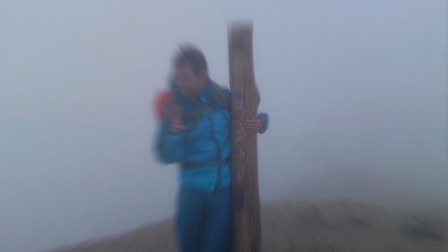 乗鞍岳 手前 暴風の中の一枚.jpg