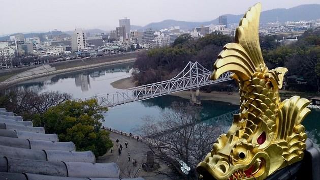 岡山城天守閣と鯱.jpg