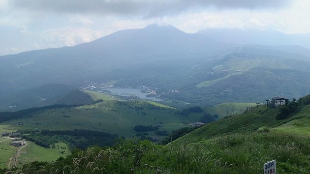 車山山頂から望む白樺湖.jpg